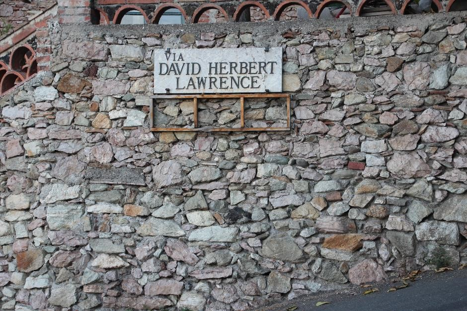 Taormina road sign 'Via David Herbert Lawrence'
